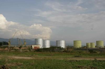 Pollutants near the lake
