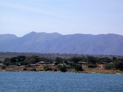 Lake - Kustlijn Sibwesa